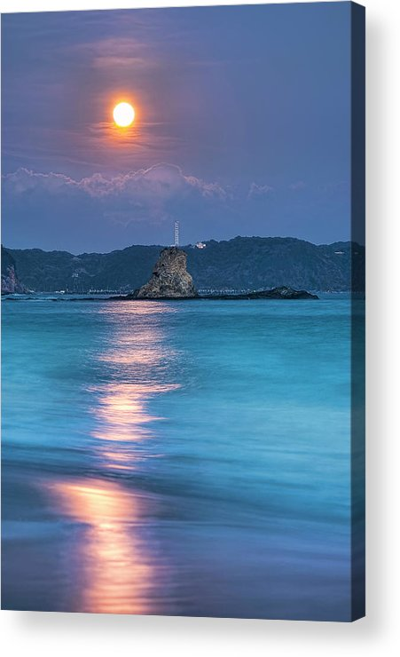 Vertical Acrylic Print featuring the photograph Sparkle Of Orange (full Moon) by Tommy Tsutsui