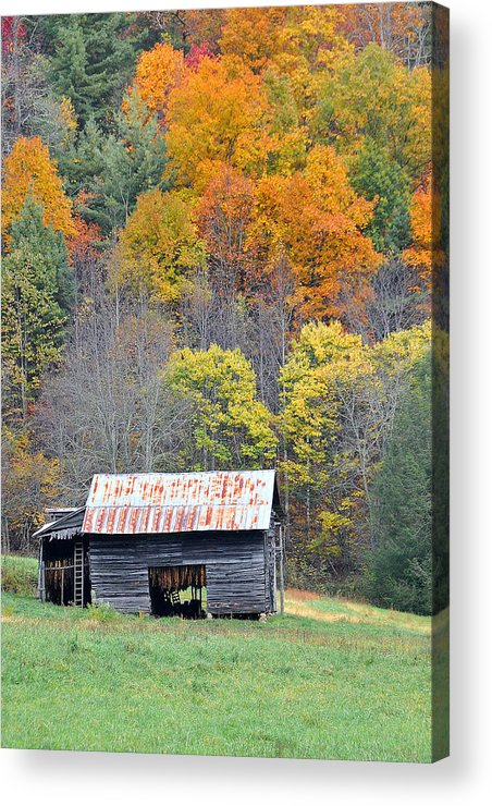 Tobacco Barn Acrylic Print featuring the photograph Tobacco Barn by Alan Lenk