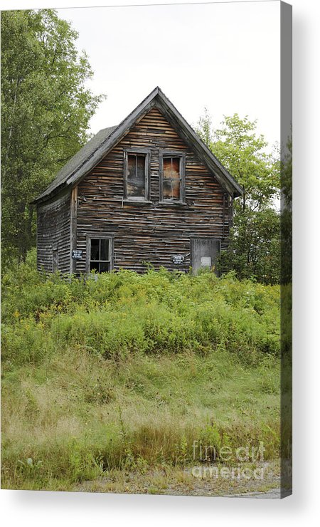 New Hampshire Acrylic Print featuring the photograph Abandoned Barn - Jefferson New Hampshire by Erin Paul Donovan