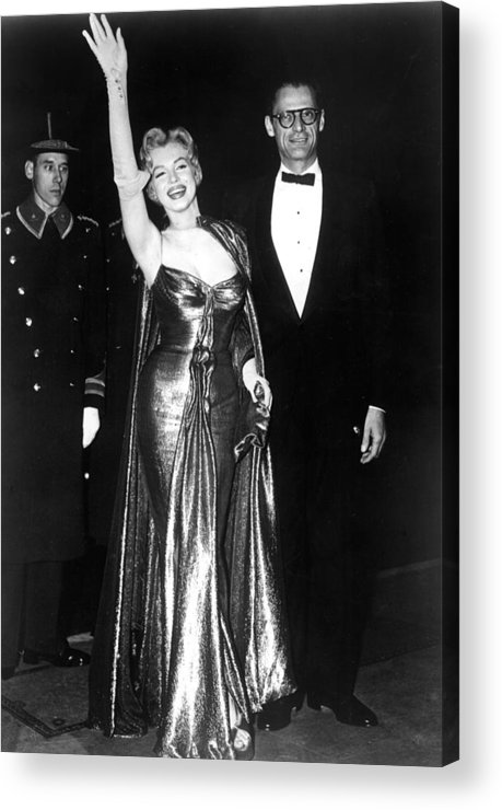 Candid Acrylic Print featuring the photograph Marilyn Monroe Waves To The Crowd by Everett