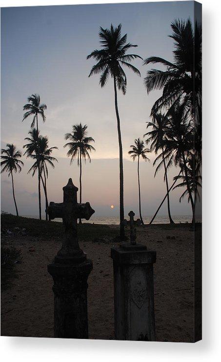 Sunset Acrylic Print featuring the photograph An Evening At The Beach-2 by Reshmi Shankar