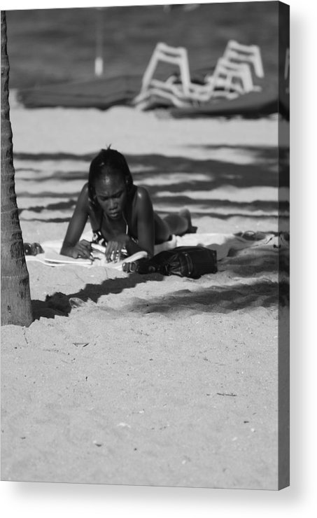 Black And White Acrylic Print featuring the photograph Homework At The Hollywood Beach by Rob Hans