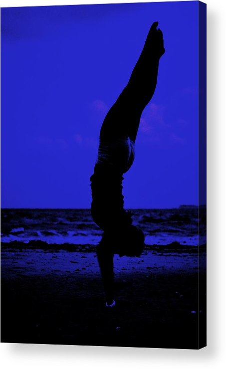 Beach Acrylic Print featuring the photograph Perfect Form by Trudi Southerland