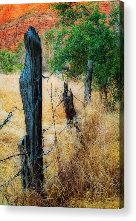 Fence Acrylic Print featuring the photograph Sedona Fence And Field by Bob Coates
