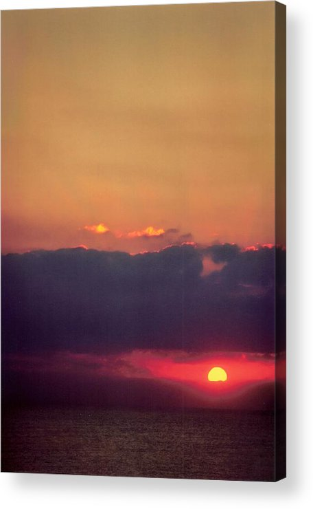 Landscape Acrylic Print featuring the photograph Vertical Number 17 by Sandra Gottlieb