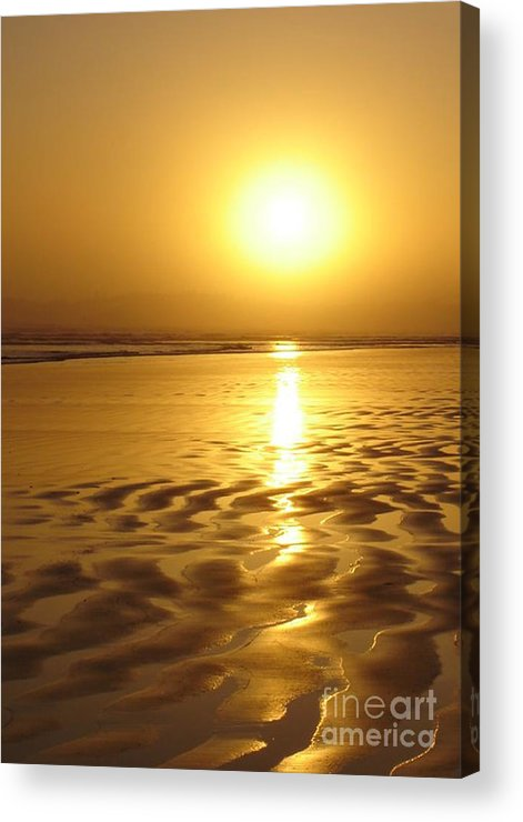 Tofino Acrylic Print featuring the photograph Tofino Sunset by Bari Demers