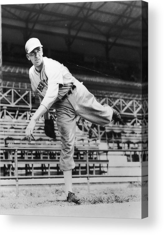 People Acrylic Print featuring the photograph Carl Hubbell by Hulton Archive
