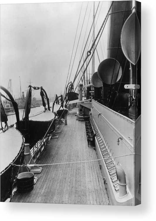 Rope Acrylic Print featuring the photograph Ss Himalaya by Hulton Archive