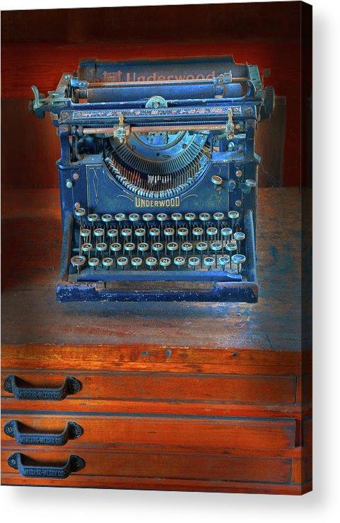 Underwood Typewriter Acrylic Print featuring the photograph Underwood Typewriter by Dave Mills