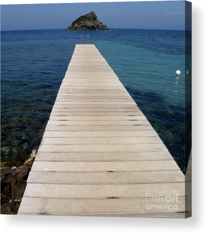 Seascape Acrylic Print featuring the photograph Tranquility by Lainie Wrightson