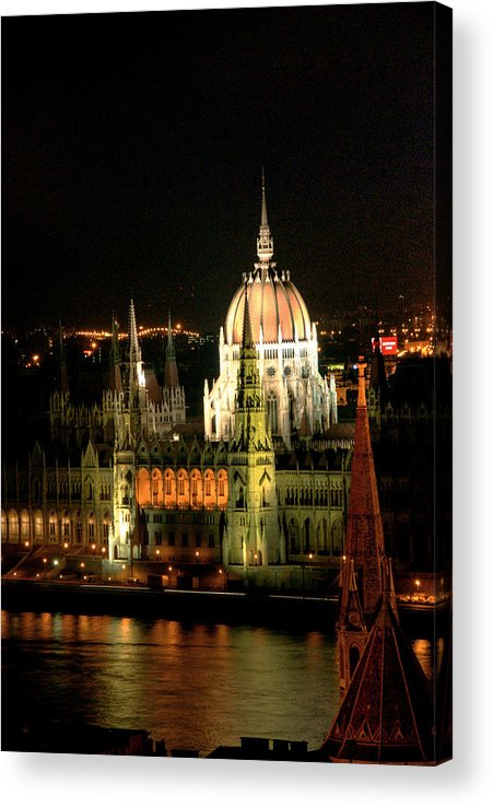 Hungarian Parliament Building Acrylic Print featuring the photograph Parliament Building Lit Up At Night by Roberto Herrero Garcia