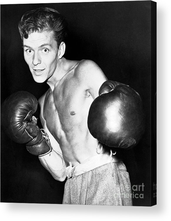 People Acrylic Print featuring the photograph Frank Sinatra In Boxing Pose by Bettmann