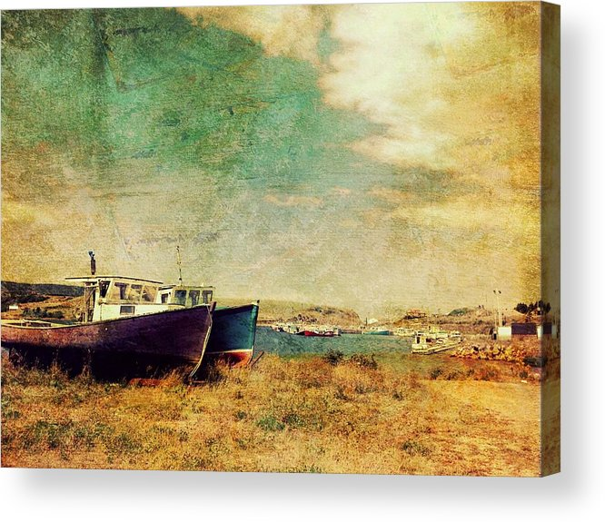 Grunge Acrylic Print featuring the photograph Boat Dreams On A Hill by Tracy Munson
