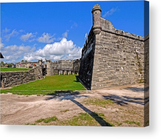 St Augustine Acrylic Print featuring the photograph Castillo De San Marcos by Marilyn Holkham