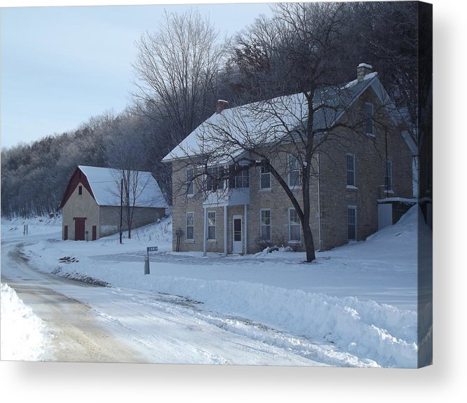 Elkader Iowa Acrylic Print featuring the photograph Motor Mill Inn And Livery by Bonfire Photography
