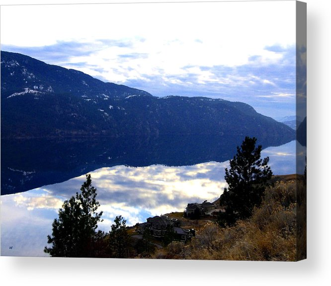 Lakeside Acrylic Print featuring the photograph Lakeside Living by Will Borden