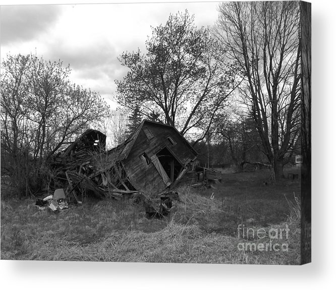 Barn Acrylic Print featuring the photograph Past Glory by Chad Thompson