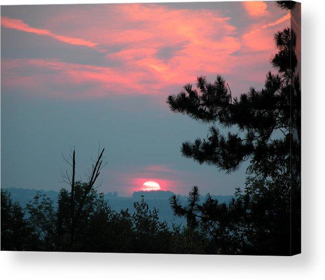 Sunset Acrylic Print featuring the photograph Western Sunset Sun On The Horizon by Joe Lee