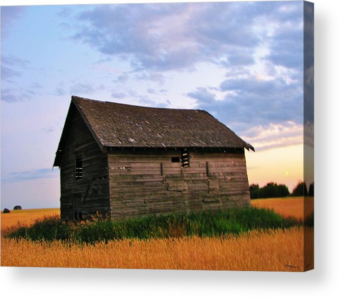 Barn Acrylic Print featuring the photograph Olde Schuur by Luana Juknies