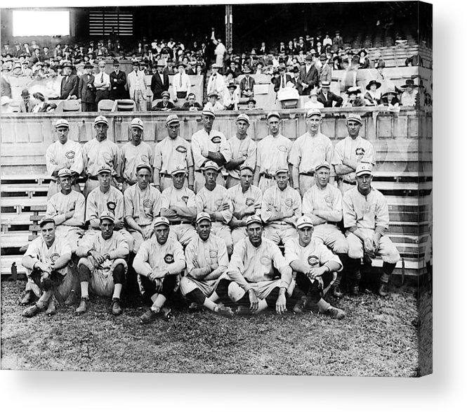 1910s Portrait Acrylic Print featuring the photograph Cincinnati Reds, Baseball Team, 1919 by Everett