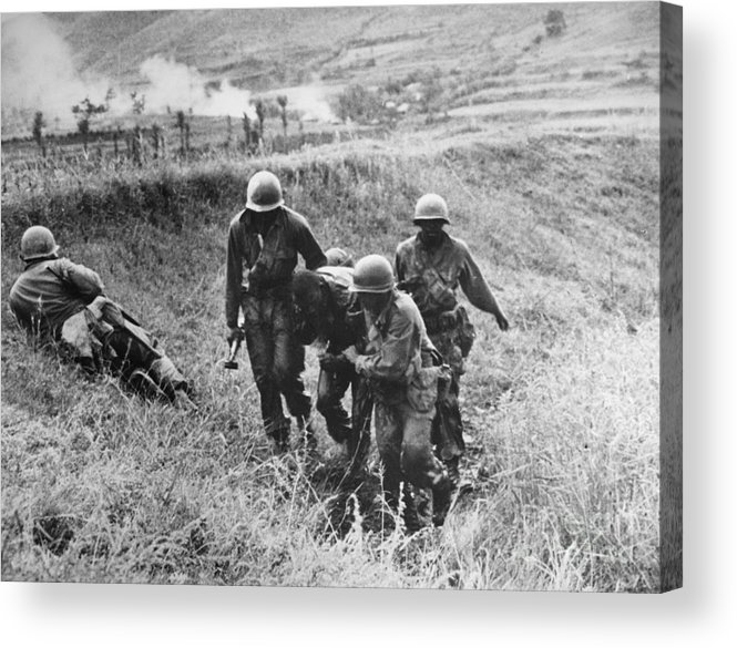 1950 Acrylic Print featuring the photograph Korean War: Wounded, 1950 by Granger