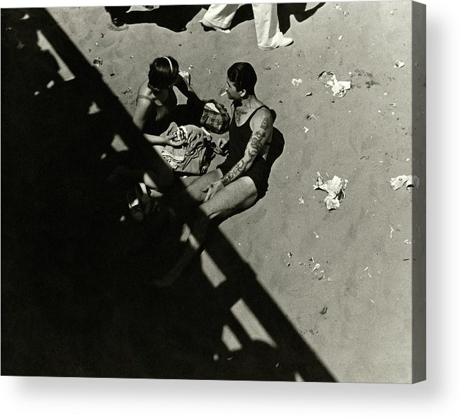 Cityscape Acrylic Print featuring the photograph A Couple At Coney Island by Lusha Nelson