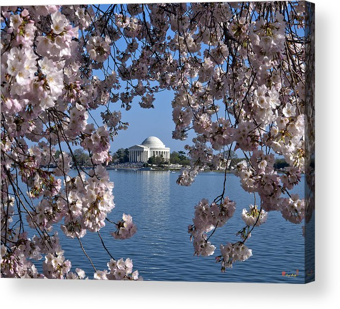 Washington D.c. Acrylic Print featuring the photograph Jefferson Memorial On The Tidal Basin Ds051 by Gerry Gantt