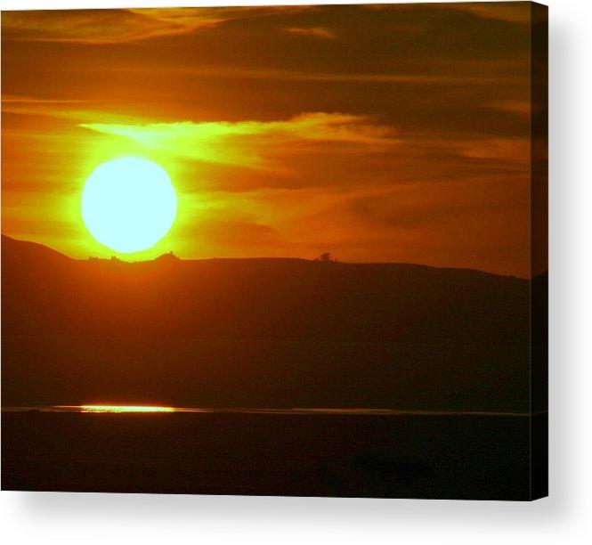 Mount Tamalpais Acrylic Print featuring the photograph Sunset Over Mount Tamalpais by Kerry Reed