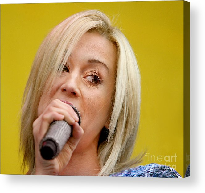 Kelli_pickler_concert_photo Acrylic Print featuring the photograph Kelli Pickler by Bruce Crummy