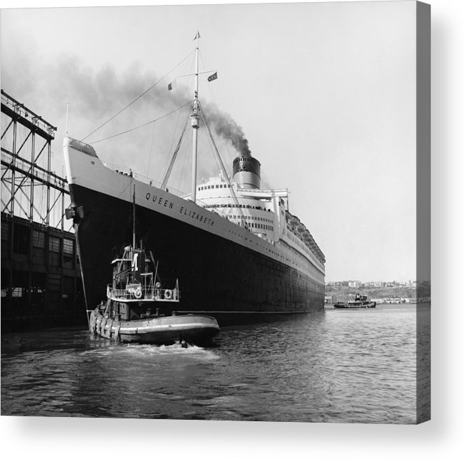Historic Acrylic Print featuring the photograph Rms Queen Elizabeth by Dick Hanley and Photo Researchers