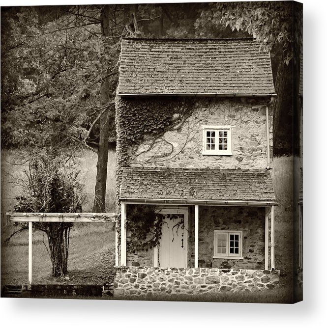 Old Acrylic Print featuring the photograph Ivy Covered Farmhouse by Brenda Conrad