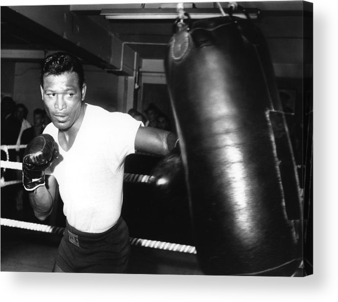 Event Acrylic Print featuring the photograph 1962 Boxing by Hulton Archive