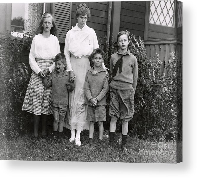 Nominee Acrylic Print featuring the photograph Eleanor Roosevelt With Her Children by Bettmann