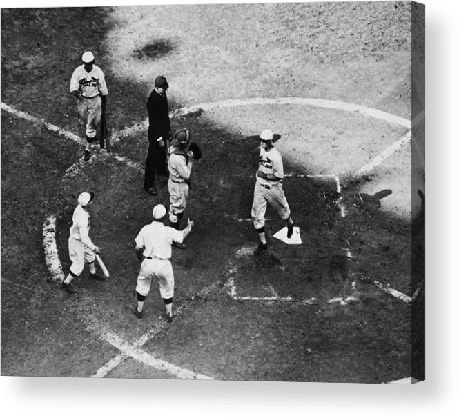 St. Louis Cardinals Acrylic Print featuring the photograph High & Watkins Come Home by Hulton Archive