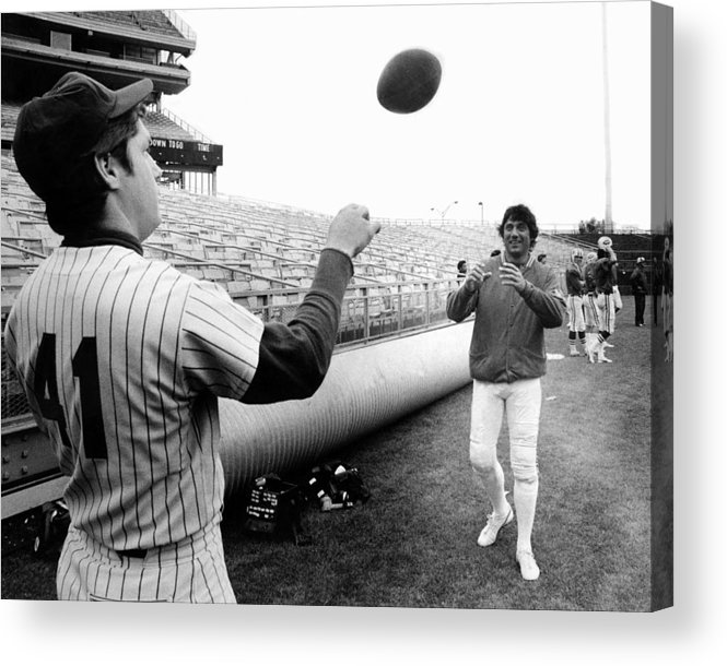 American League Baseball Acrylic Print featuring the photograph Mets Tom Seaver Warms Up Jets Joe by New York Daily News Archive