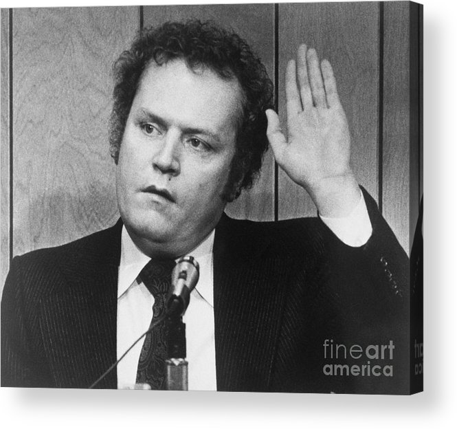 People Acrylic Print featuring the photograph Publisher Larry Flynt Being Sworn by Bettmann