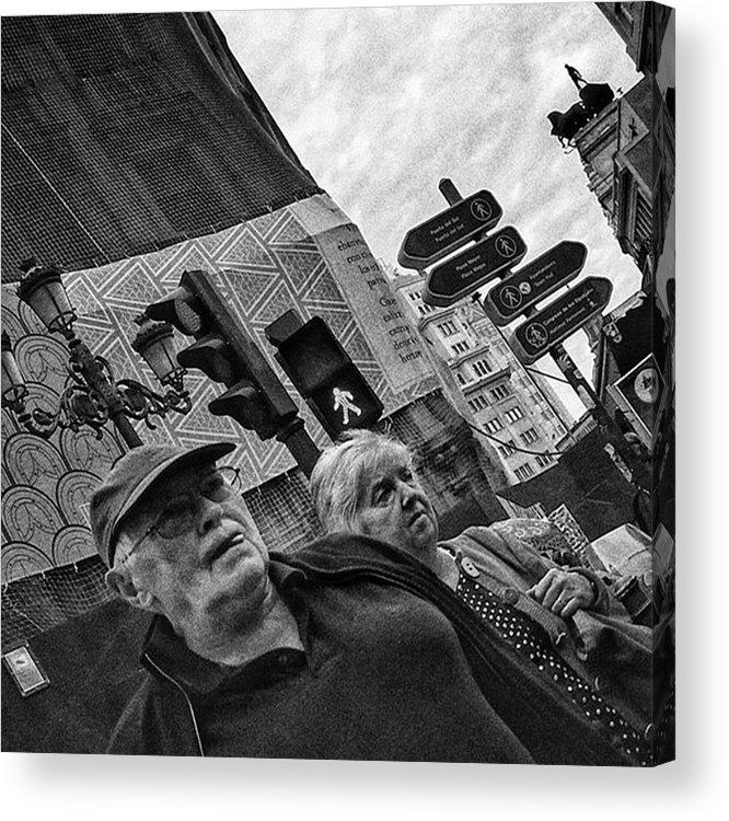 Streetmagazine Acrylic Print featuring the photograph Threesome  #couple #trafficlight by Rafa Rivas