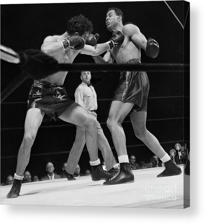 Mature Adult Acrylic Print featuring the photograph Joe Louis And Billy Conn In Boxing Match by Bettmann