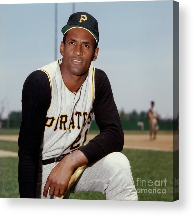 National League Baseball Acrylic Print featuring the photograph Roberto Clemente by Louis Requena