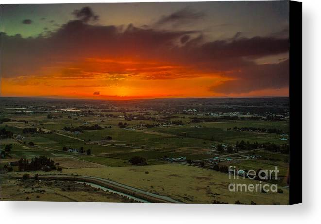 Emmett Canvas Print featuring the photograph Sunset Over The Valley by Robert Bales
