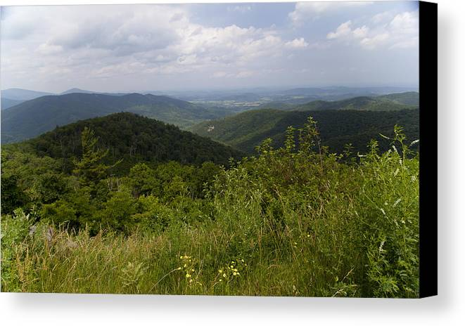 Shenandoah Canvas Print featuring the photograph Shenandoah National Park - Skyline Drive by Christina Durity