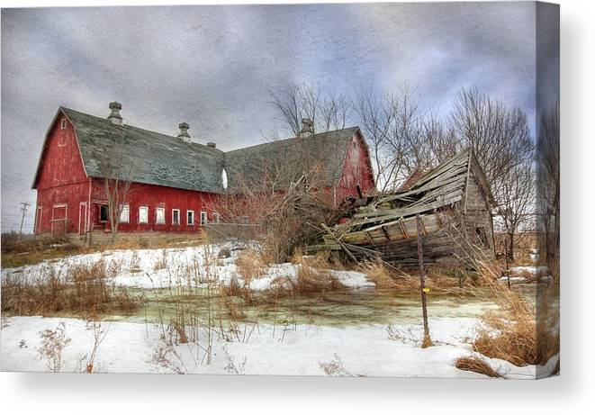 Old Red Barn Canvas Print featuring the photograph I Fall To Pieces by Lori Deiter