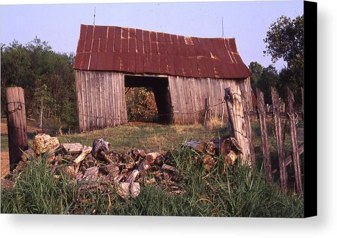 Canvas Print featuring the photograph Lloyd Shanks Barn 4 by Curtis J Neeley Jr