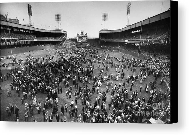 1957 Canvas Print featuring the photograph New York: Polo Grounds by Granger