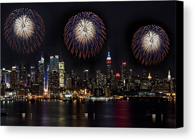 New York City Canvas Print featuring the photograph New York City Celebrates The 4th by Susan Candelario