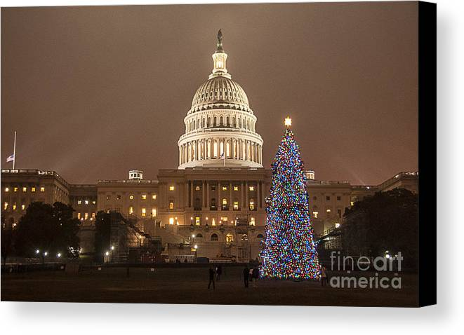 Christmas Canvas Print featuring the photograph Capitol Christmas by Terry Rowe