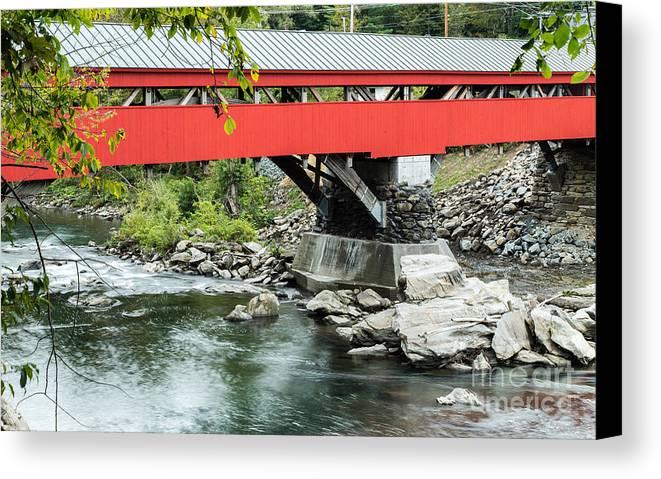 Bridge Canvas Print featuring the photograph Taftsville Covered Bridge Vermont by Edward Fielding