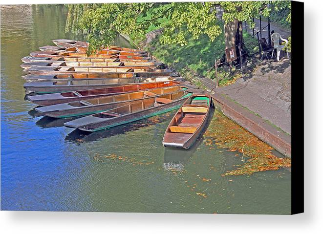 Cambridge Canvas Print featuring the photograph Punts In Cambridge by Tony Murtagh
