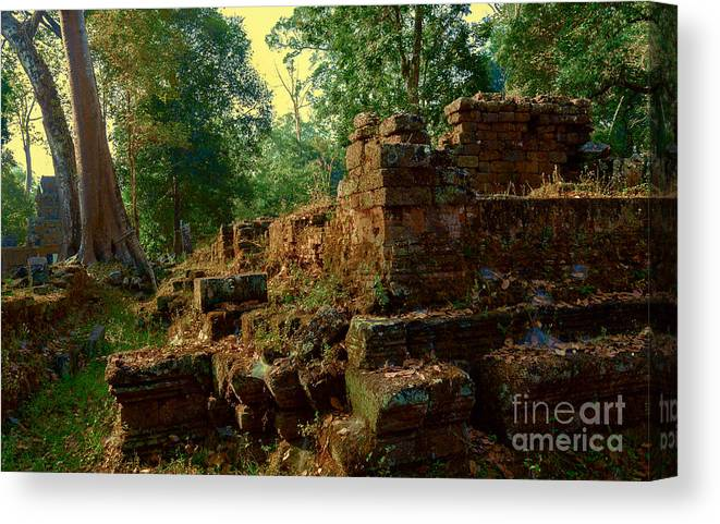 Ruin Canvas Print featuring the photograph Edge Of Ruin by Julian Cook