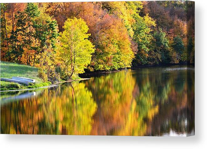Fall Canvas Print featuring the photograph Nature's Watercolor by Kim Hymes
